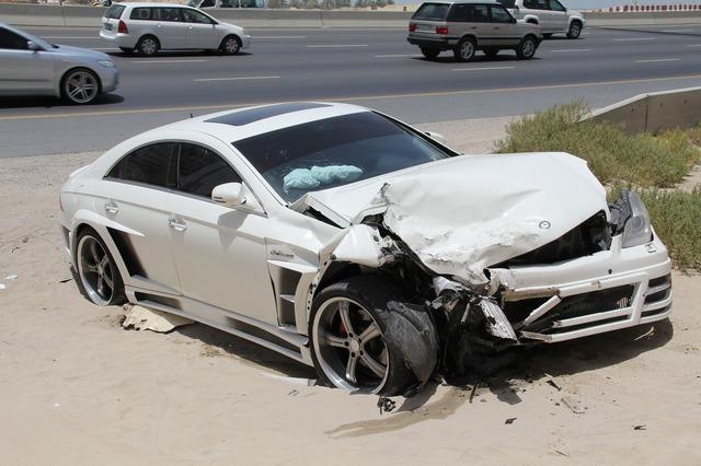 交通事故safe-1142432_1280.jpg
