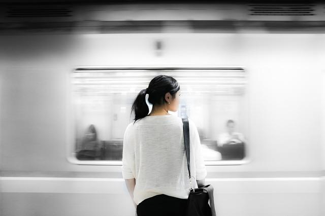 地下鉄train-station-863337_1280.jpg