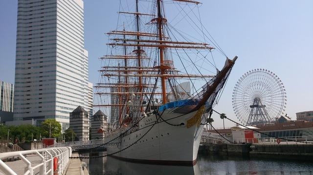 横浜port-1702176_1280.jpg