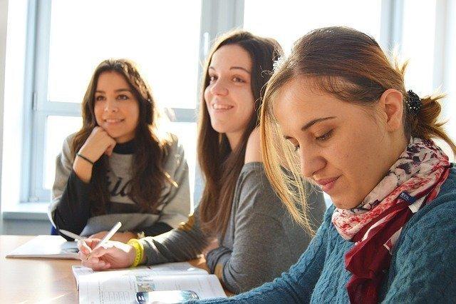 language-school-834138_640.jpg